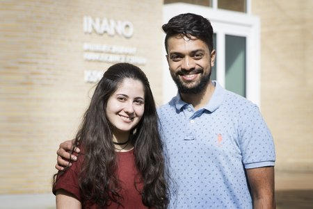 Fabiane Franco and Priyank Shyam, students at iNANO, Aarhus University. Photo: Ida Marie Jensen, AU Foto.
